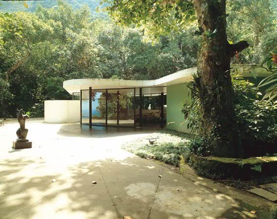 Casa_das_Canoas-oscar_niemeyer-12